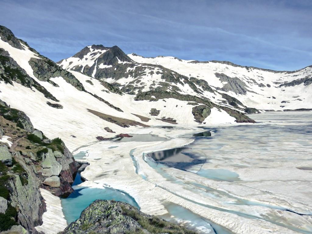 ruta al lago Certascan