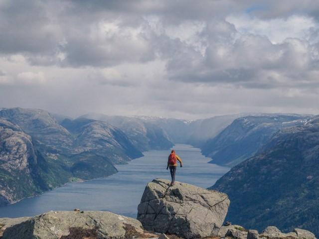 Lysenfjorden-Preikestolen