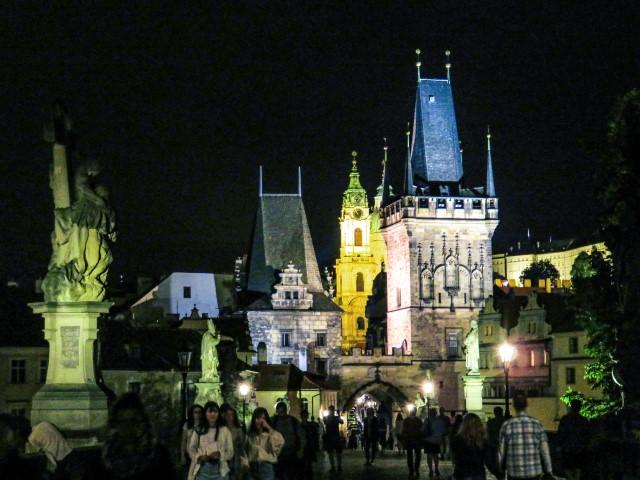 Puente de Carlos de noche, Praga
