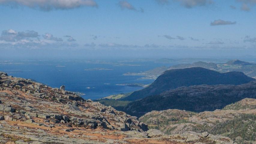 Vistas-a-Stavanger-desde-el-camino-a-Preikestolen.