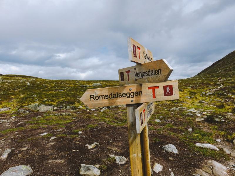 Indicaciones del camino Romsdalseggen