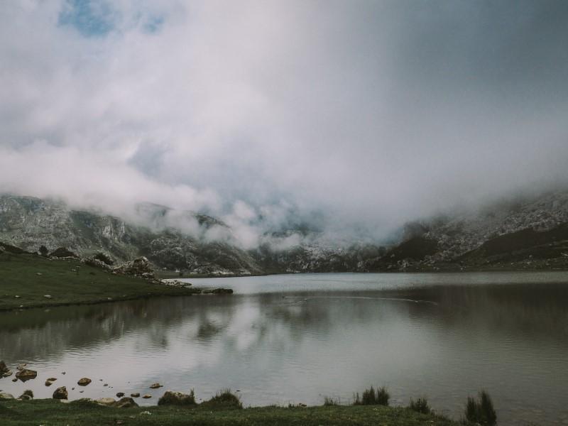 Lago-de-la-Ercina-Asturias.